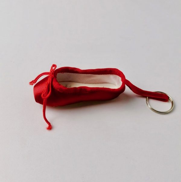 Porte-clé pointe satin rouge